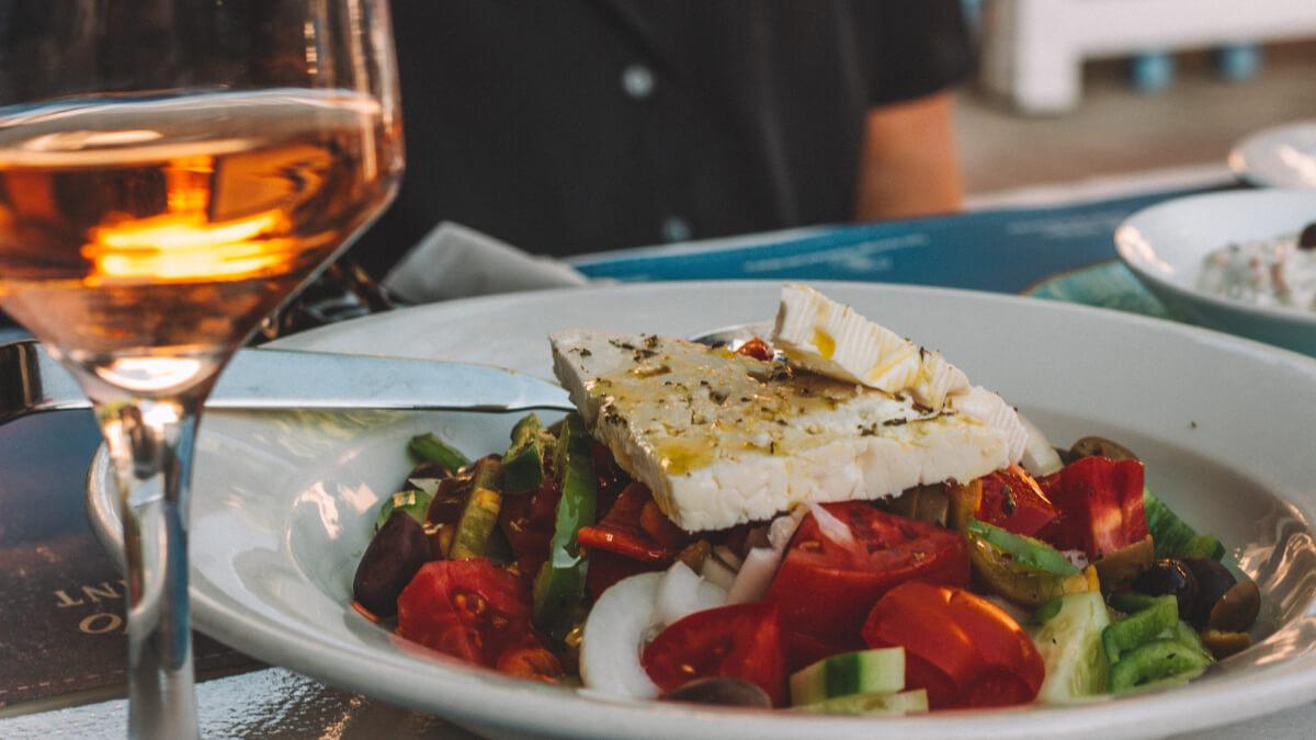 Vad är typisk grekisk mat?